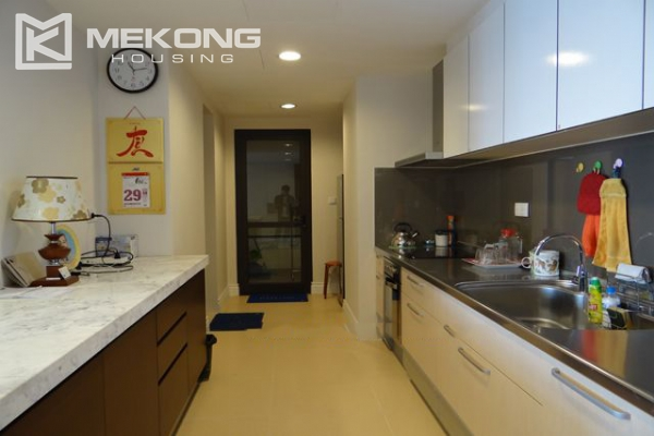 Hoang Thanh Tower nice serviced apartment for rent 11