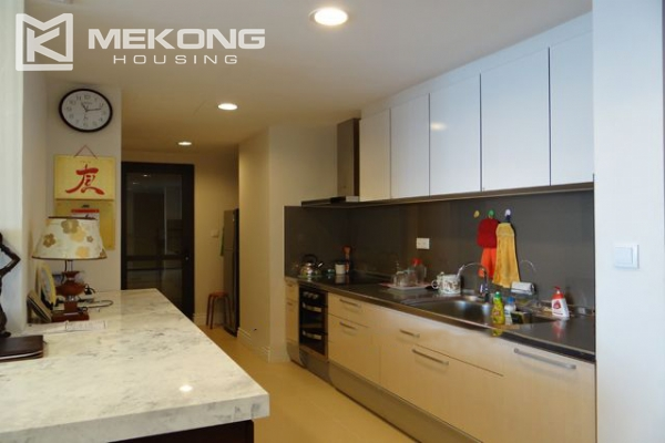 Hoang Thanh Tower nice serviced apartment for rent 12