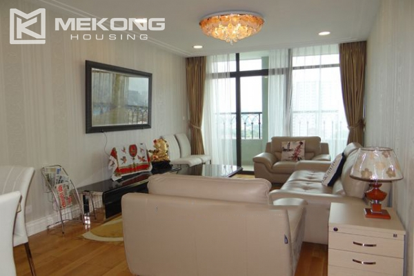 Hoang Thanh Tower nice serviced apartment for rent 9