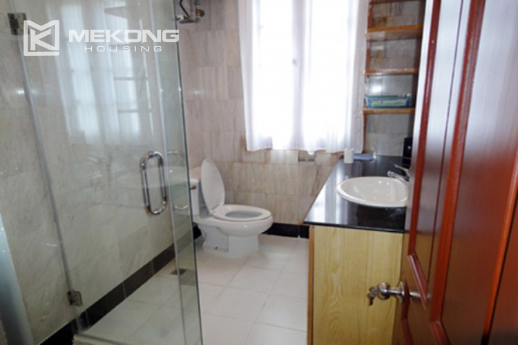 House at the corner for rent with fully furnished in Xom Chua 14