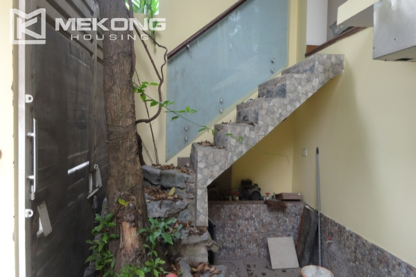 House in Tay Ho for rent, very spacious, 5 storeys with 6 bedrooms 2