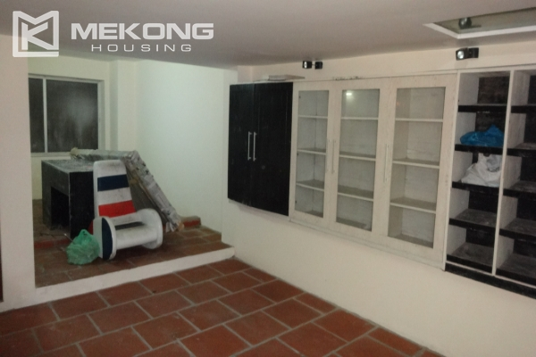 House in Tay Ho for rent, very spacious, 5 storeys with 6 bedrooms 3