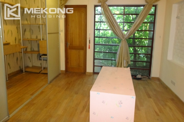 House in Tay Ho for rent, very spacious, 5 storeys with 6 bedrooms 18