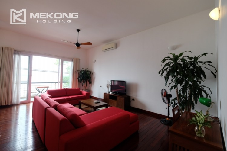Lake bank serviced apartment for rent in Quang Khanh 1