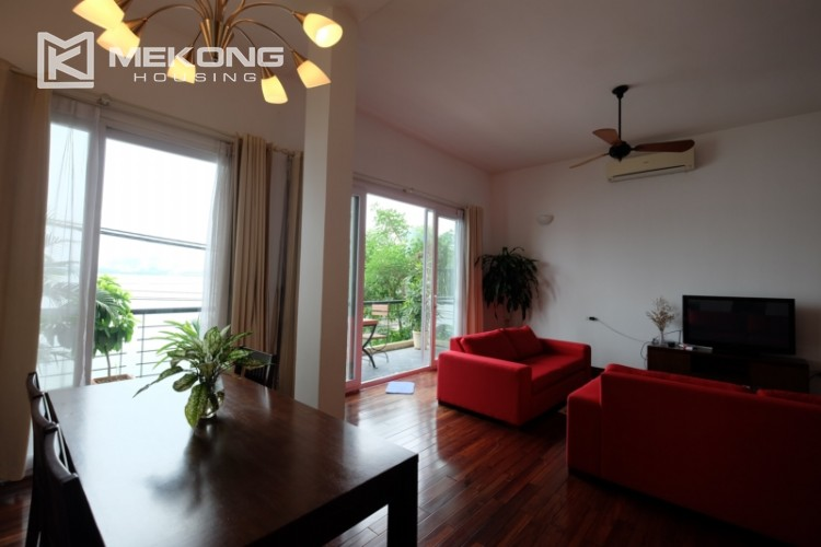 Lake bank serviced apartment for rent in Quang Khanh 4