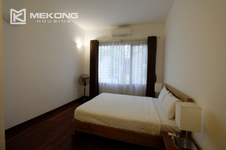 Lake bank serviced apartment for rent in Quang Khanh 17