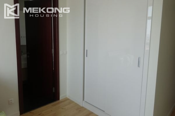 Lake view apartment with 2 bedrooms on high floor in Watermark Westlake, Lac Long Quan 7