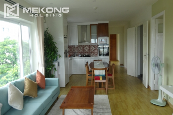 Lake view deluxe serviced apartment with 2 bedrooms in To Ngoc Van, Tay Ho 2