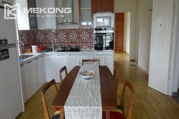 Lake view deluxe serviced apartment with 2 bedrooms in To Ngoc Van, Tay Ho 5