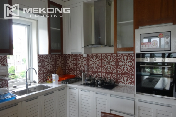 Lake view deluxe serviced apartment with 2 bedrooms in To Ngoc Van, Tay Ho 7