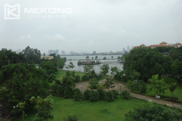 Lake view deluxe serviced apartment with 2 bedrooms in To Ngoc Van, Tay Ho 9