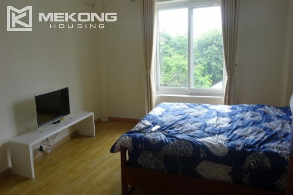 Lake view deluxe serviced apartment with 2 bedrooms in To Ngoc Van, Tay Ho 18