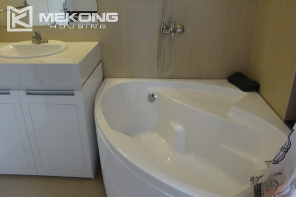 Lake view deluxe serviced apartment with 2 bedrooms in To Ngoc Van, Tay Ho 3
