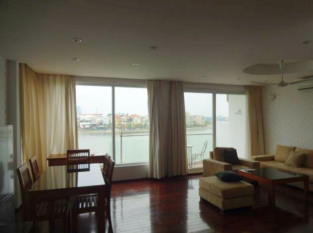 Lake view serviced apartment for rent in Xuan Dieu street, Tay Ho district, Hanoi