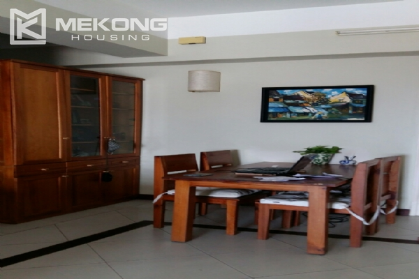 Lake view serviced apartment with 1 bedrooms for rent in Tay Ho 5