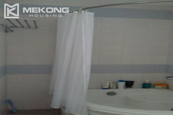 Lake view serviced apartment with 1 bedrooms for rent in Tay Ho 11
