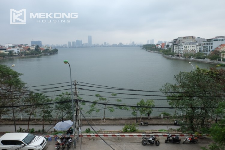 Lake view spacious 04 bedroom apartment in Xuan Dieu 7