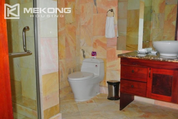 Large balcony apartment with 2 bedrooms in Hai Ba Trung 7