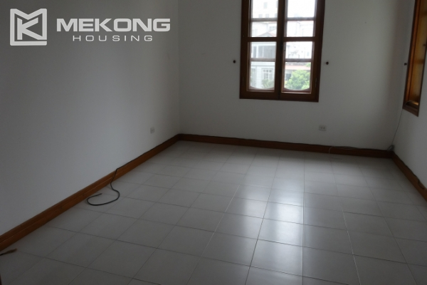 Large house with 5 bedrooms in To Ngoc Van street for rent 20