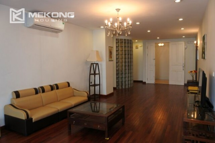 Lovely apartment for rent in P tower with 3 bedrooms, 145 sqm 13