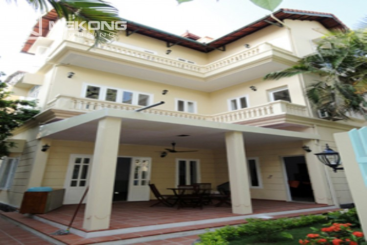 Lovely house for rent in Nghi Tam village 1