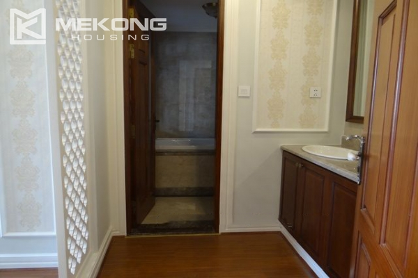 Luxurious apartment for rent in Hai Ba Trung, Hanoi 10