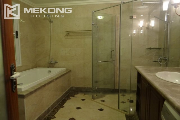 Luxurious apartment for rent in Hai Ba Trung, Hanoi 7