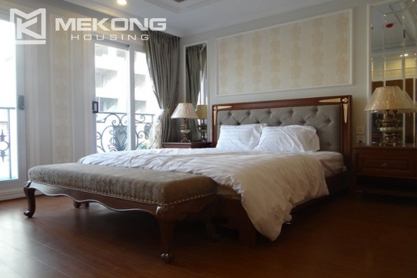 Luxurious apartment for rent in Hai Ba Trung, Hanoi 8
