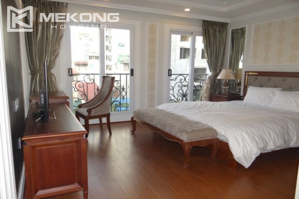 Luxurious apartment for rent in Hai Ba Trung, Hanoi 9