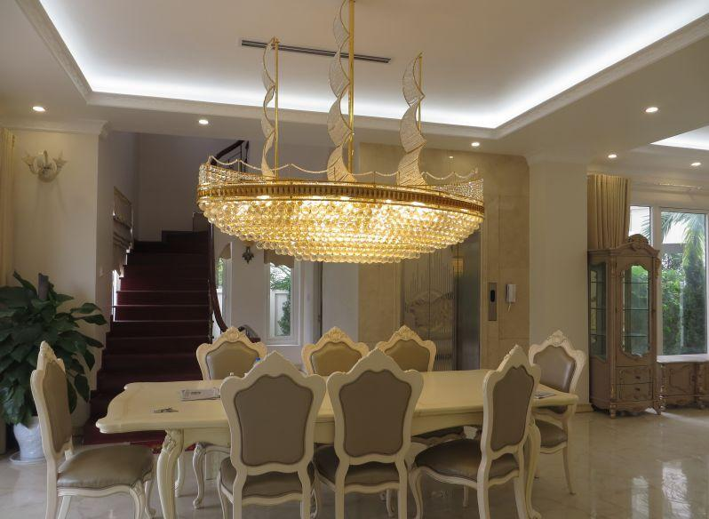 Luxurious villa with 5 bedrooms for rent in Vinhomes Riverside, Long Bien district, Hanoi
