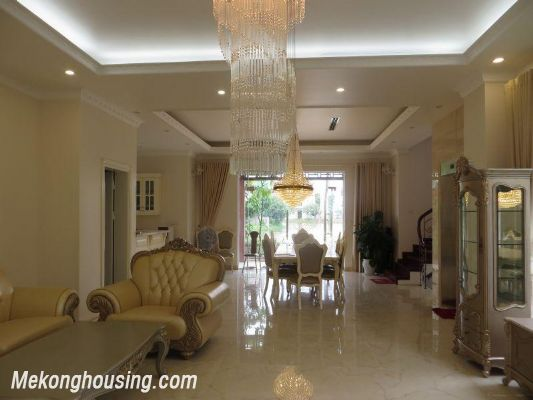 Luxurious villa with 5 bedrooms for rent in Vinhomes Riverside, Long Bien district, Hanoi 1
