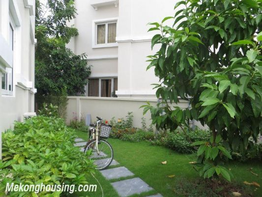 Luxurious villa with 5 bedrooms for rent in Vinhomes Riverside, Long Bien district, Hanoi 7