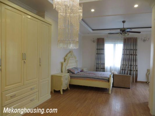 Luxurious villa with 5 bedrooms for rent in Vinhomes Riverside, Long Bien district, Hanoi 8