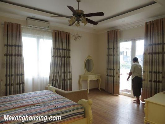 Luxurious villa with 5 bedrooms for rent in Vinhomes Riverside, Long Bien district, Hanoi 9
