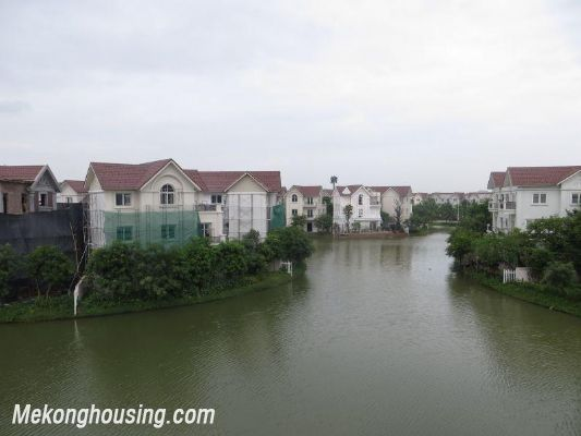 Luxurious villa with 5 bedrooms for rent in Vinhomes Riverside, Long Bien district, Hanoi 15
