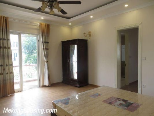 Luxurious villa with 5 bedrooms for rent in Vinhomes Riverside, Long Bien district, Hanoi 16