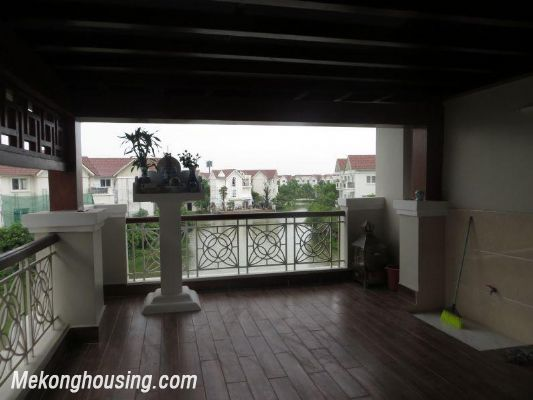 Luxurious villa with 5 bedrooms for rent in Vinhomes Riverside, Long Bien district, Hanoi 18