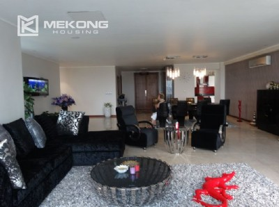 Luxury 267 sqm apartment with 4 bedrooms in L2 tower Ciputra Hanoi