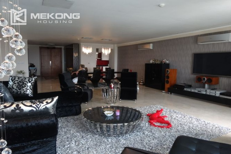 Luxury 267 sqm apartment with 4 bedrooms in L2 tower Ciputra Hanoi 6