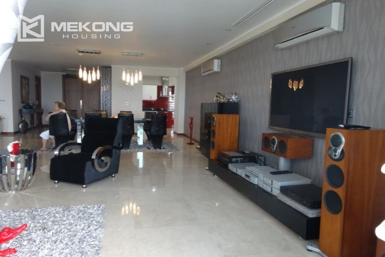 Luxury 267 sqm apartment with 4 bedrooms in L2 tower Ciputra Hanoi 12