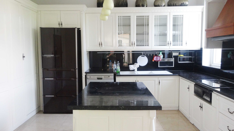 Luxury and spacious villa with 5 bedroom for rent in T area, Ciputra, Tay Ho, Hanoi 4