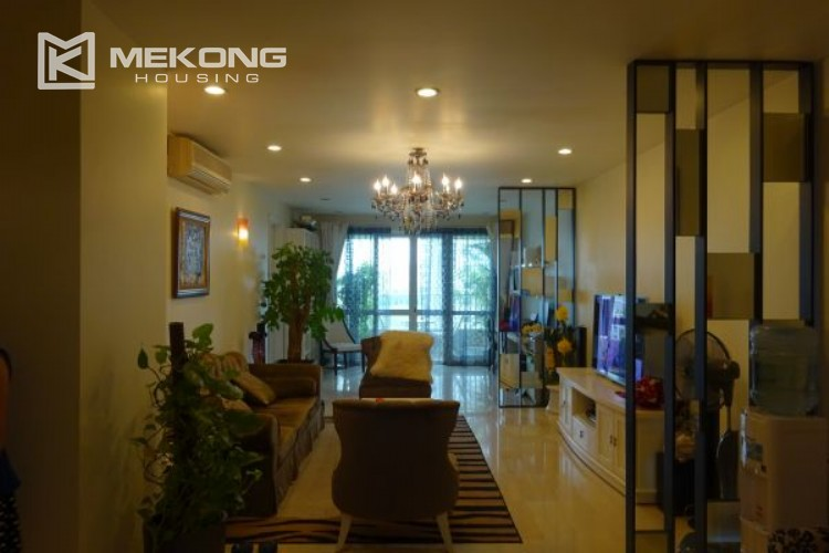 Luxury apartment for rent in P tower with 3 bedrooms 5