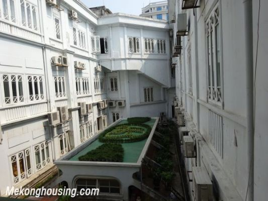Luxury apartment with 2 bedroom for rent in Ly Thuong Kiet street, Hoan Kiem district, Hanoi 3