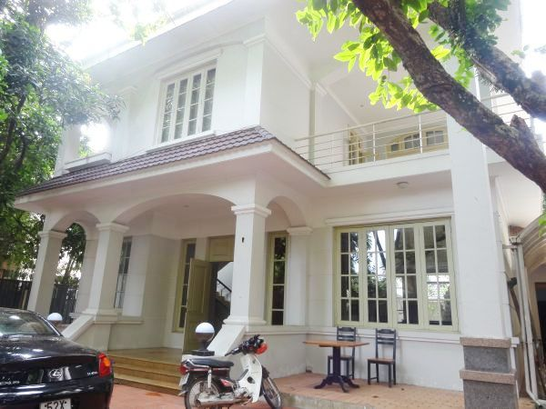 Luxury House, 05 Bedrooms For Lease in Tay Ho district