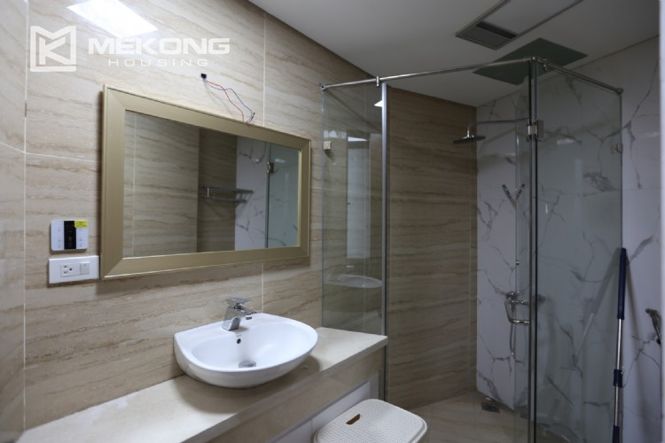 Luxury serviced apartment for rent with big terrace 16