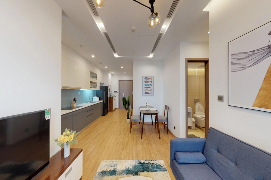 Modern 1 bedroom apartment with balcony in Vinhomes Metropolis, 27 Lieu Gia street 2