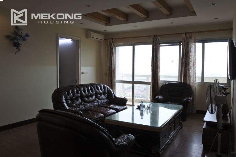 Modern 153 m2 apartment with 4 bedrooms for rent in E5 tower, Ciputra Hanoi 4