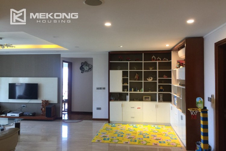Modern and good quality apartment for rent in L tower Ciputra 3