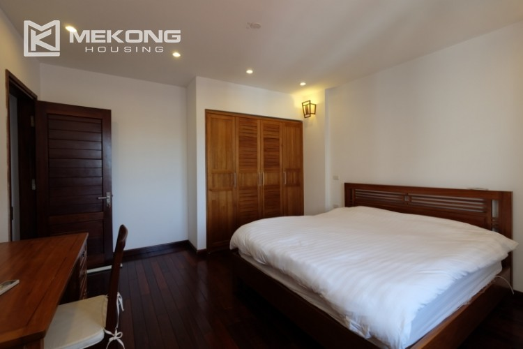 Modern and good quality apartment for rent inTay Ho street 26