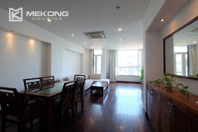 Modern and good quality apartment for rent inTay Ho street 1